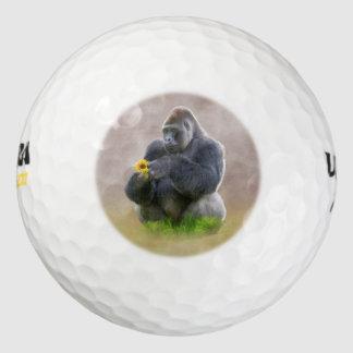 ゴリラおよび黄色いデイジー ゴルフボール