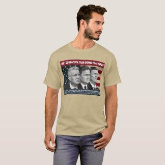 ゴルバチョフ氏は、この壁を壊します! Tシャツ