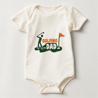 ゴルフをするパパ ベビーボディスーツ