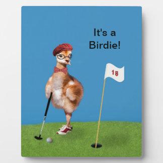 ゴルフを遊んでいるユーモアのあるな鳥 フォトプラーク