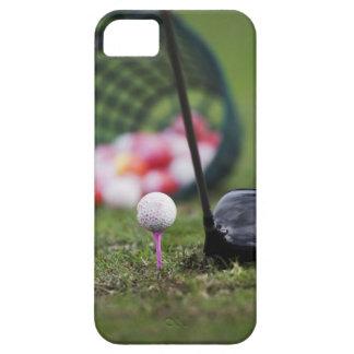 ゴルフクラブの側のティーのゴルフ・ボール iPhone SE/5/5s ケース