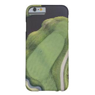 ゴルフコース-緑の空中写真 BARELY THERE iPhone 6 ケース