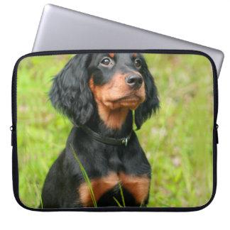 ゴードンセッターの注意深い憂うつの子犬 ラップトップスリーブ