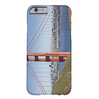 ゴールデンゲートブリッジおよびサンフランシスコ。 BARELY THERE iPhone 6 ケース