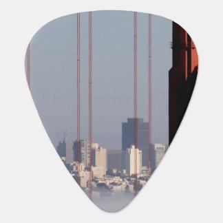 ゴールデンゲートブリッジからのサンフランシスコのスカイライン ギターピック