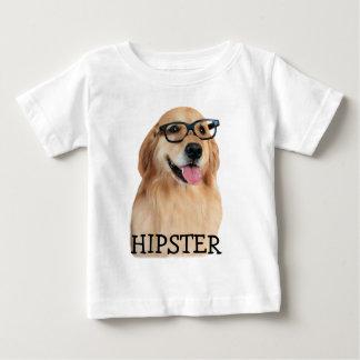 ゴールデン・リトリーバーのヒップスターのおたく ベビーTシャツ