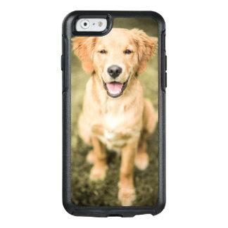 ゴールデン・リトリーバーの子犬のポートレート オッターボックスiPhone 6/6Sケース