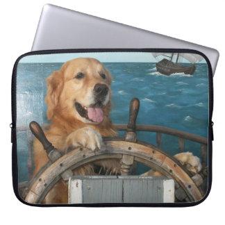 ゴールデン・リトリーバーの帆船 ラップトップスリーブ