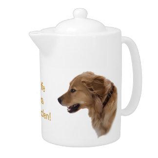 ゴールデン・リトリーバー犬のティーポット
