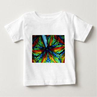 サイケデリックな反射の鏡の渦巻のデザイン ベビーTシャツ