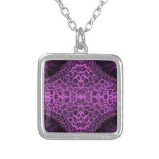 サイケデリックな紫色 シルバープレートネックレス