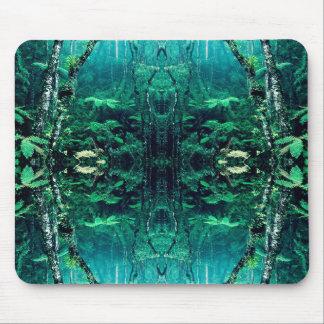 サイケデリックな雨林 マウスパッド