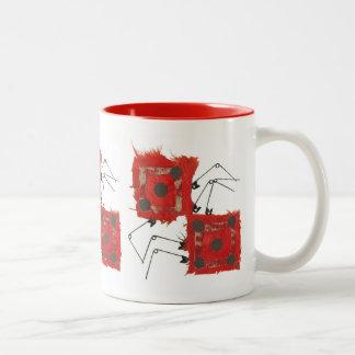 サイコロのてんとう虫背景のマグ無し ツートーンマグカップ