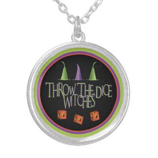 サイコロの魔法使いのネックレスを投げて下さい シルバープレートネックレス