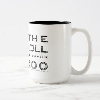 サイコロは2つの調子のマグ-黒い文字--を転がります ツートーンマグカップ