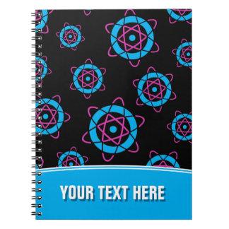 サイファイのギーク原子の記号の名前入りな文字 ノートブック