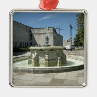 サウサンプトンの図書館の噴水 メタルオーナメント
