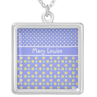 サクラソウのネックレス: 個人化して下さい: 青い水玉模様 シルバープレートネックレス