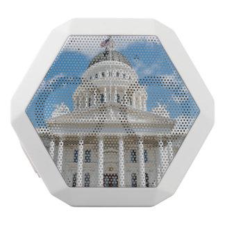 サクラメントのカリフォルニア州の国会議事堂 ホワイトBluetoothスピーカー