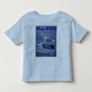 サクラメント、カリフォルニアのクジラ トドラーTシャツ