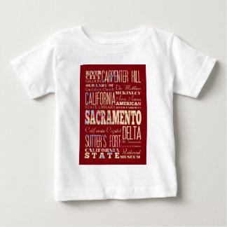 サクラメント、カリフォルニアの有名な場所 ベビーTシャツ