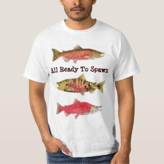 サケを産むために用意して下さい Tシャツ