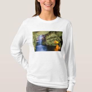 サザランドの高地スコットランドのSmooの洞窟Durness Tシャツ