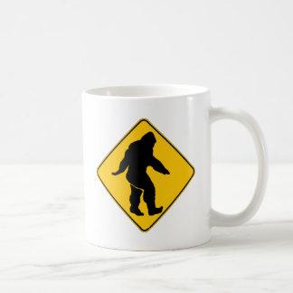 サスカッチの交差 コーヒーマグカップ
