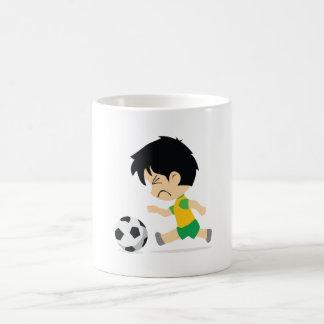 サッカーの男の子 コーヒーマグカップ