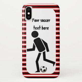 サッカーの選手および球黒いおよび赤のストライブ柄 iPhone X ケース