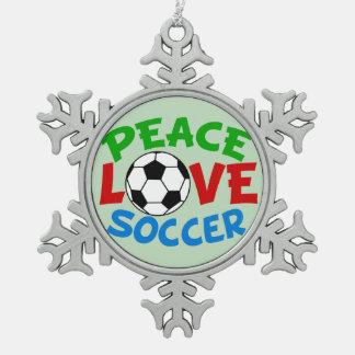 サッカーボールのクリスマスの緑 スノーフレークピューターオーナメント