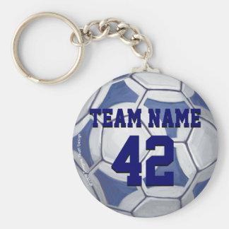 サッカーボールの青および白い名前および数 キーホルダー