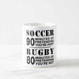 サッカー対ラグビー コーヒーマグカップ
