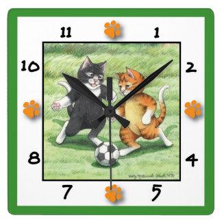 サッカー猫の正方形の柱時計 スクエア壁時計