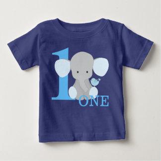 サファリ象の青1人の年の最初誕生日の男の子 ベビーTシャツ