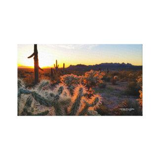 サボテンが付いているSonoranの砂漠のアリゾナの日没 キャンバスプリント