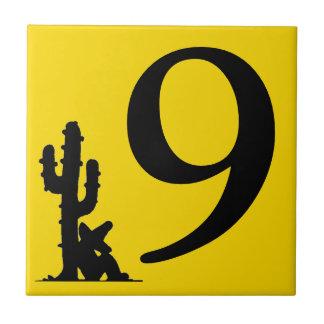 サボテンの黄色の熱い第9 9タイルによる昼寝 タイル