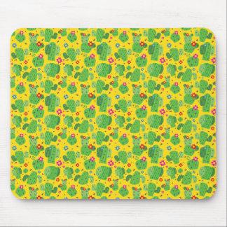 サボテン私外側(黄色) -平らなマウスパッド マウスパッド