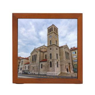 サラエボのセントジョーゼフの教会。 ボスニアおよびHerz ペンスタンド