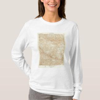 サンアンドレアスの切れ間を示すMt Pinosの四角形 Tシャツ