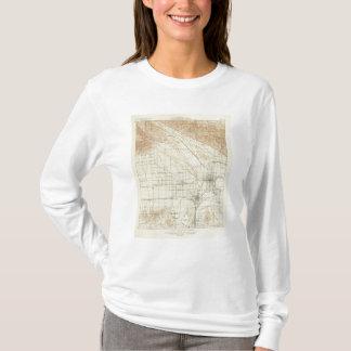 サンアンドレアスの切れ間を示すSan Bernardinoの四角形 Tシャツ
