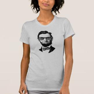 サングラスを持つ女性のエイブラハム・リンカーン Tシャツ