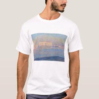 サンジョルジョMaggioreから見られる総督の宮殿 Tシャツ