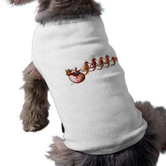 サンタおよびタツノオトシゴのそりの小犬のティー ペット服