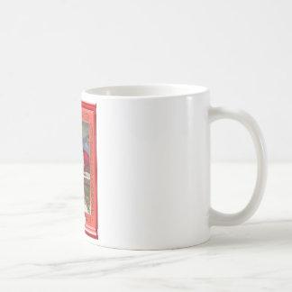 サンタおよび常緑樹 コーヒーマグカップ