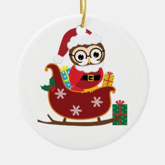 サンタのフクロウのクリスマスのオーナメントを個人化して下さい セラミックオーナメント