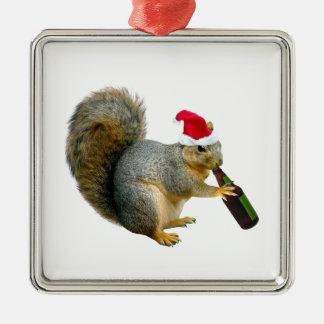 サンタのリスの飲むビール メタルオーナメント