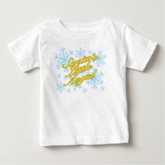 サンタの少し天使(乳児-軽いワイシャツ) ベビーTシャツ