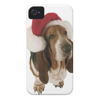 サンタの帽子のバセットハウンド Case-Mate iPhone 4 ケース