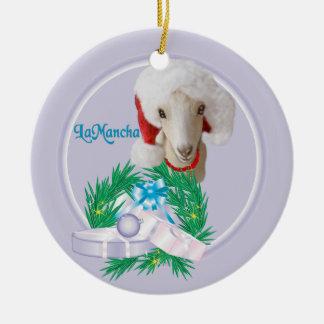 サンタの帽子のリースの休日OrnamenのLaManchaのヤギ セラミックオーナメント